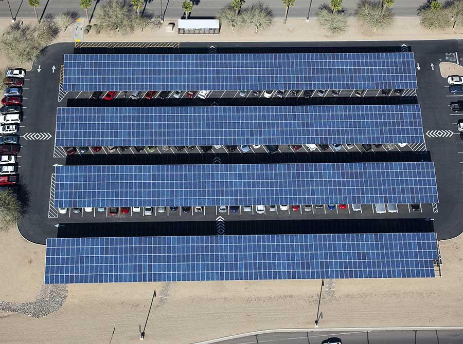 ombrières avec centrales photovoltaïques